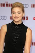 LOS ANGELES - APR 24:  Olivia Holt arrives at the