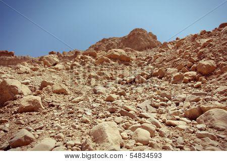 Close-up of reddish rocks in the desert