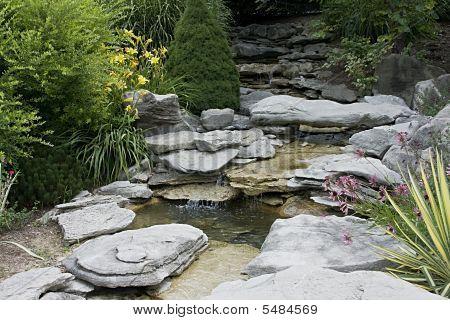 Horizontal Water Garden