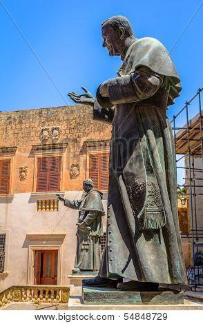 Popes Sculptures