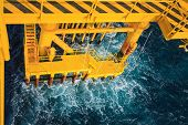 pic of offshoring  - Oil and gas platform in the gulf or the sea - JPG