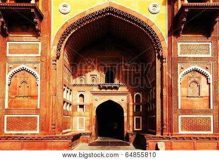 Agra Red Fort, Unesco World Heritage site, built by several Mughal emperors from XV to XVI centuries in Uttar Pradesh, India.