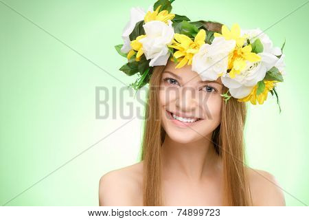Young beauty woman portrait