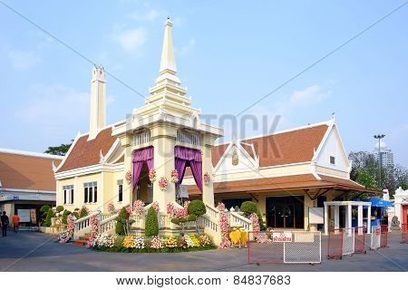 Ncient Buddhist Crematory In Wat Prayoon
