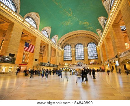 NEW YORK CITY - NOV 13: Famous New York City landmark Grand Central Station full of tourists and shoppers at Christmas, November 13th, 2011 in Manhattan, New York City.