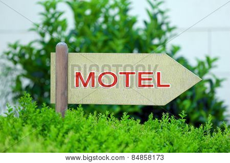 Pointer with text Motel