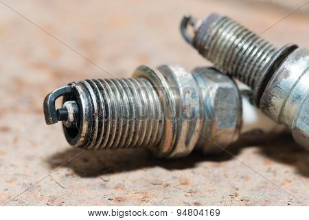 Used and new sparkplug