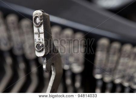 C Hammer - Old Manual Typewriter