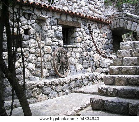 Stone houses1