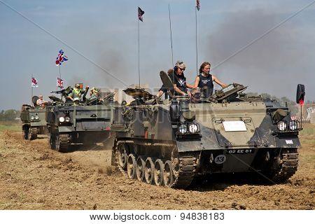 FV432 convoy