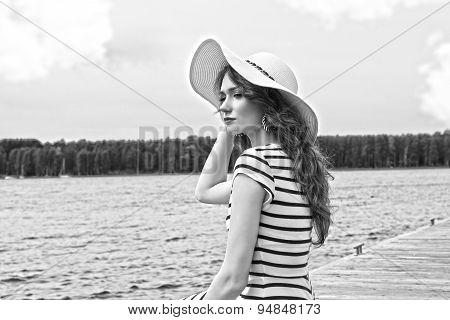 Bw , More Hdr Effect Summer Holidays Girl On The Lake White Hat