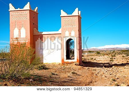 Gate   In Todra   And  Village