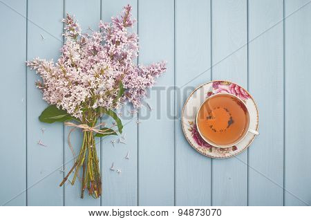 Black English Tea And Blooming Lilac