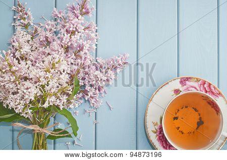 English Black Tea And Blooming Lilac