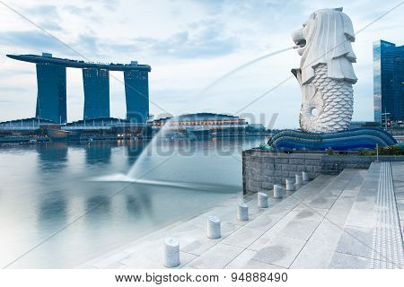 Merlion fountain in the morning