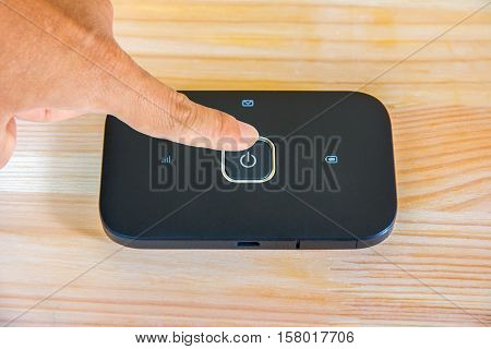 turn on and off pocket wifi switch
