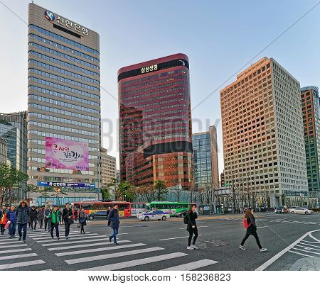 City Life With Pedestrians Crossing In Jung District Seoul