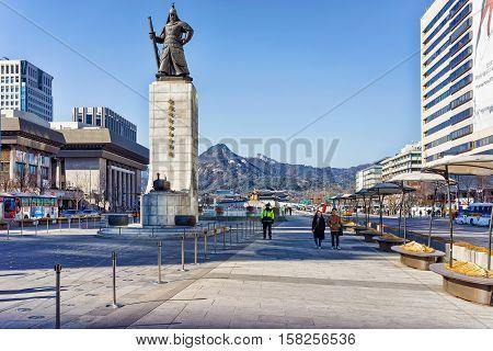 Statue Of Admiral Yi Sunsin At Gwanghwamun Plaza In Seoul
