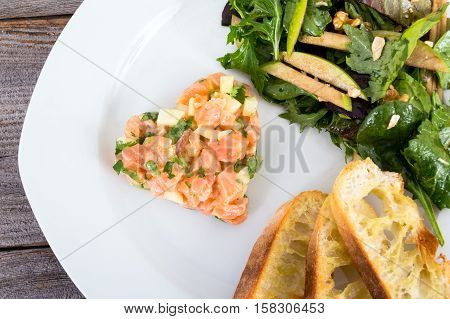 salmon and granny smith apple tartare closeup
