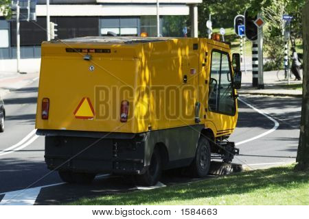 Mechanical Streetsweeper