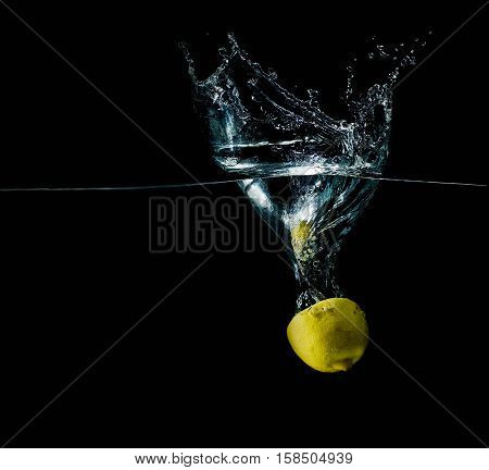 limon in water splash sparkling slice refreshing isolated