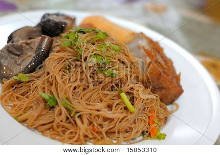 Oriental Style Bee Hoon Dish
