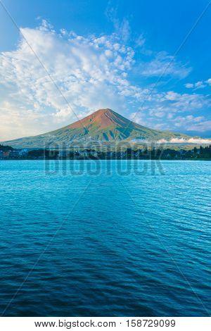 Kawaguchi Lake Mount Fuji View Blue Sky Morning V