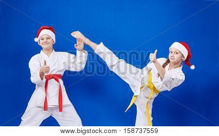 Children are training kick leg and showing finger super