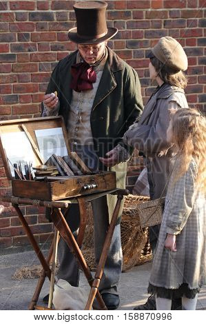26TH NOVEMBER 2016, PORTSMOUTH DOCKYARD, ENGLAND:Unknown actors playing the parts of  victorians at the yearly Christmas victorian festival in portsmouth dockyard,england,26th november 2016