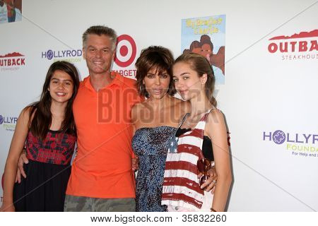 LOS ANGELES - AUG 12:  Harry Hamlin, Lisa Rinna, daughters arrives at the 3rd Annual My Brother Charlie Family Fun Festival at Culver Studios on August 12, 2012 in Culver City, CA
