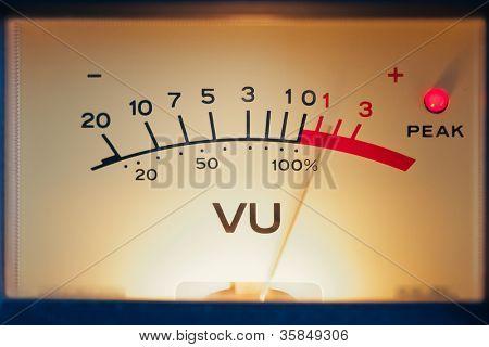 analog volume meter