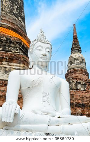 Buddha and pagoda in Wat Yai Chai Mongkol