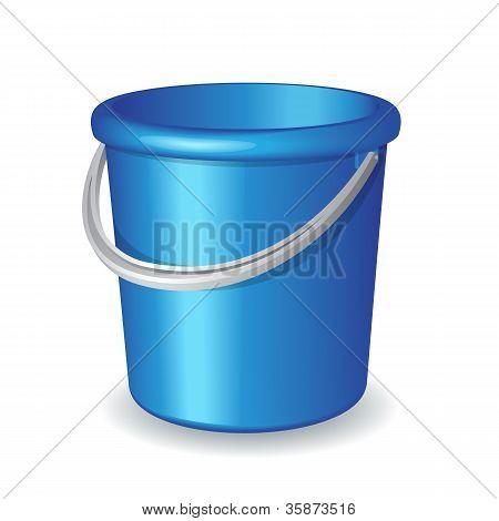 Balde de plástico azul, isolado no fundo branco