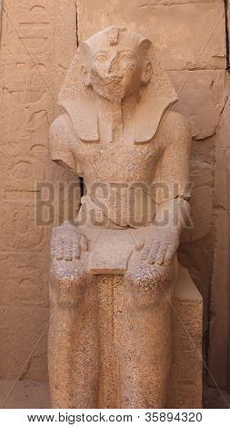 seated pharaoh