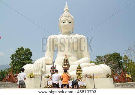 Boeddhistische standbeeld