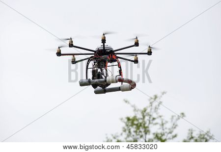 Octocopter Flying