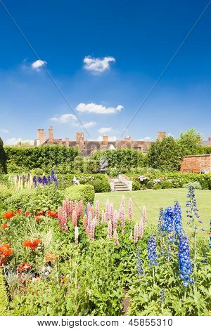 Nash house and New Place garden, Stratford-upon-Avon, Warwickshire, England