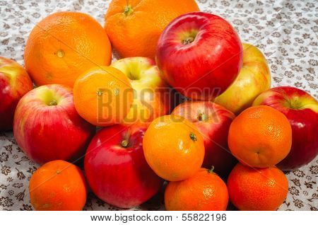 Apple, Tangerine And Oranges