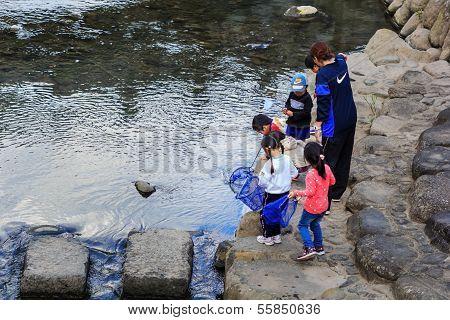 Children in Nagasaki