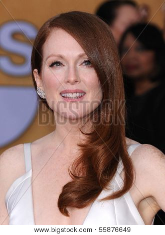 LOS ANGELES - JAN 27:  Julianne Moore arrives to the SAG Awards 2013  on January 27, 2013 in Los Angeles, CA