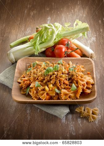 pasta with seitan ragout