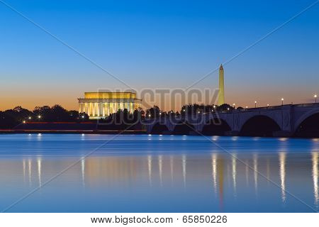 Washington, DC - Lincoln Memorial and Washington Monument at twilight