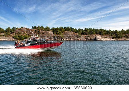 Speeding in the Swedish archipelago