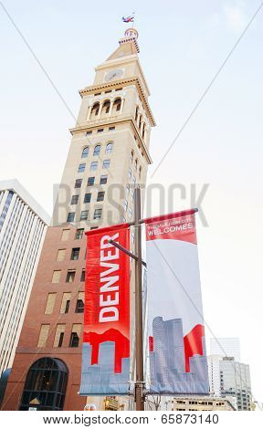 Denver Welcomes You Sign