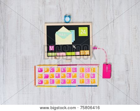Checking Mails On A Creative Computer