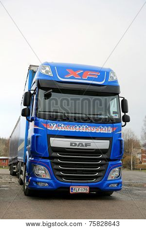 Blue DAF XF Euro 6 Truck And Trailer
