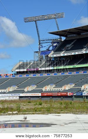 Christchurch Rebuild - Lancaster Park Awaits Demolition.