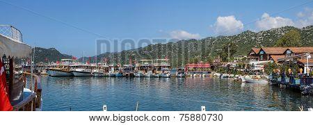 Panorama, Pleasure Boats
