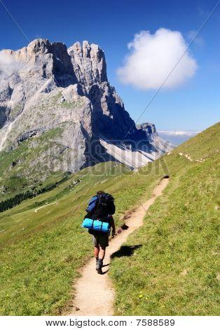view of Gruppo dele odle with tourist - geislergruppe - dolomiti italy
