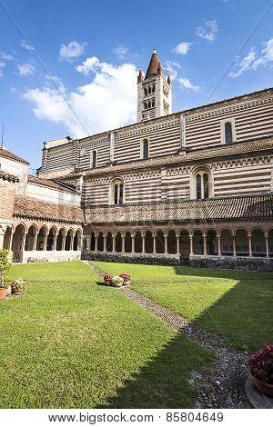 Verona, San Zeno Maggiore Basilica Yard